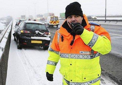 Highways Agency traffic officer deals with incident on the road