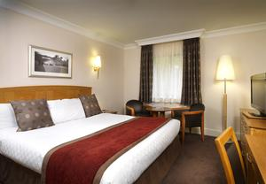 Thistle East Midlands Airport delux king room