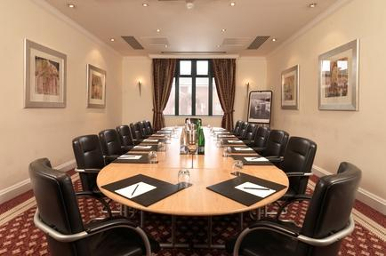 Thistle East Midlands Airport boardroom