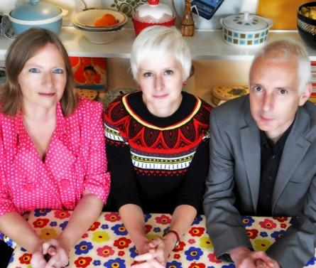 THE PROCESSED PEA music venue is to host a concert by FREYA ABBOTT FERGUSON at The Light Dragoon, ETTON near Beverley on TUESDAY 3 JULY at 8.30pm. Jude Abbott and Neil Ferguson of Chumbawamba will link up with Blowzabella's Jo Freya for a great evening of sumptuous harmonies, duelling brass and witty lyrics to some outstanding songs.
