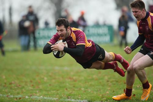 Pepe Nanci dives to a try to the delight of captain Alex Chalcraft