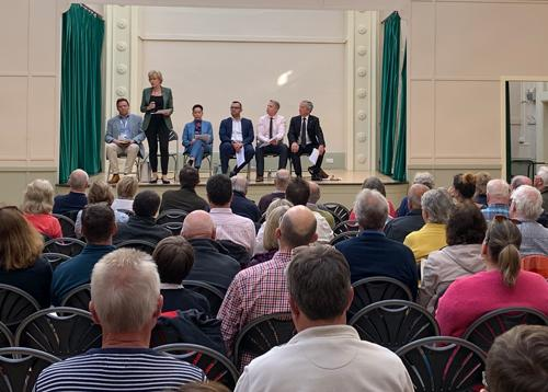 Bringing together representatives from Northamptonshire County Council, South Northamptonshire District Council, and Persimmon Homes, Andrea and the panel took questions from an audience of over 100 for nearly an hour. Highways England refused to attend.