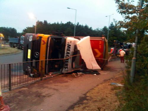 Lorry turned over causing A43 to be closed at Towcester