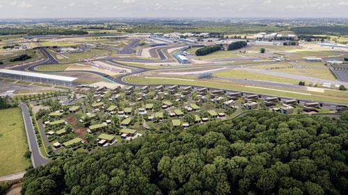 To coincide with the first of Silverstone's two F1 Grand Prix, a limited number of residences will be made available for sale. These 2, 3 and 4-bedroom residences will be priced between £650,000 and £1,650,000