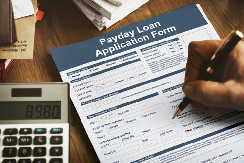 Payday loans have become a famous loan option recently. Read on to find out what is and how does a payday loan work to know when to take one.