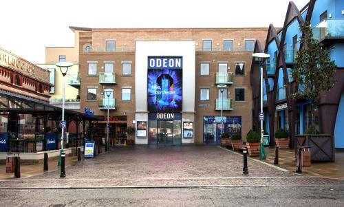Medium Drink And Popcorn Mix Odeon