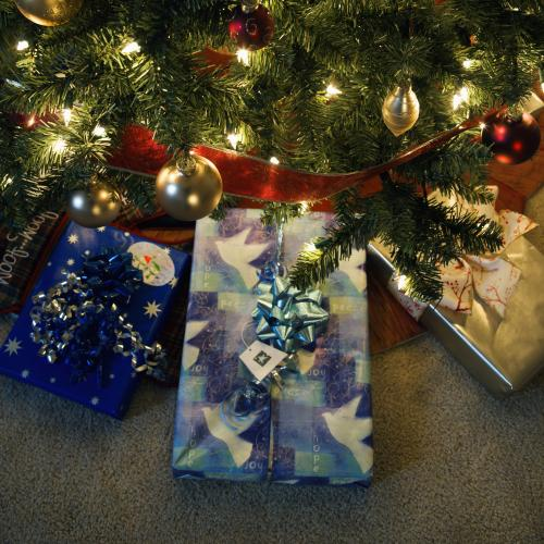 Presents Under The Christmas Tree: What's On?: Waltham Abbey, Upshire And Nazeing (EN9