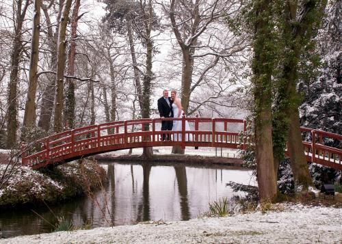 Richard Clarke Photography stunning winter wedding photo