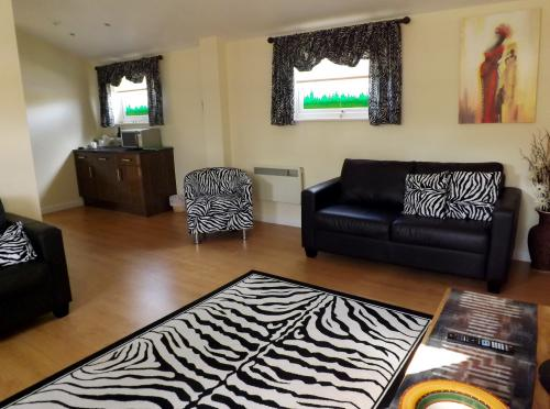 Paradise Wildlife Park Zebra Suite Apartment