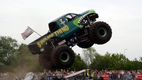Extreme Stunt Show Monster Truck in action