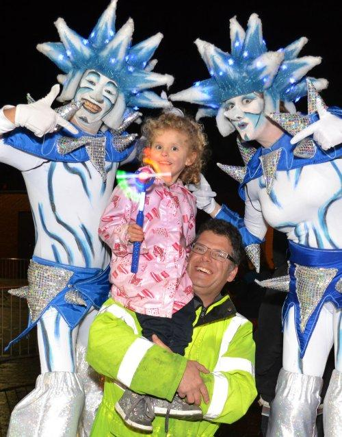 Neston Christmas Lights 'n' Lanterns 2015 - Photo by Rob Clive