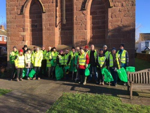 Litter Picking Champions Out in Force in Parkgate