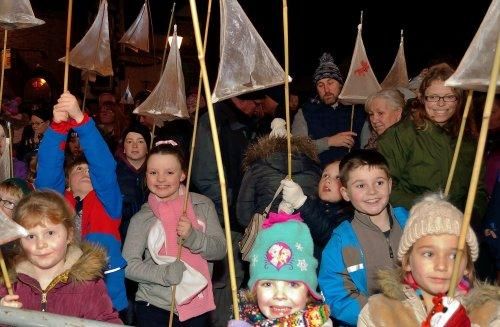 Neston Christmas Lights 'n' Lanterns 2015 - Photo by Rob CliveNeston Christmas Lights 'n' Lanterns 2015 - Photo by Rob Clive