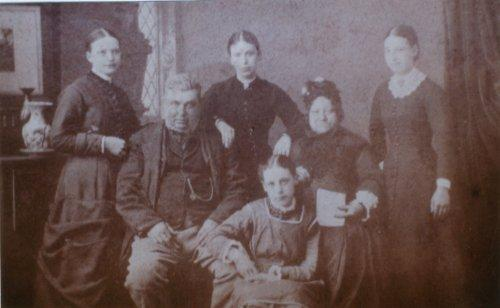 Houldin family group, photographed c1877