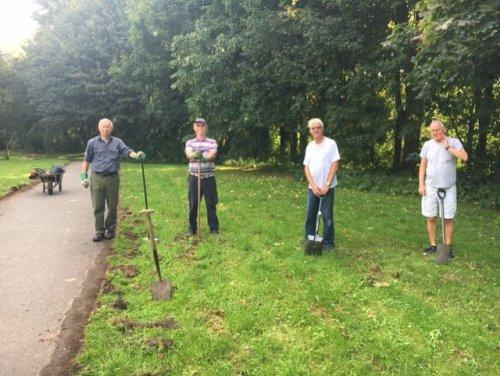 Volunteers Give Flint Meadow a Tidy Up