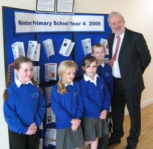 Andrew Miller MP with primary school pupils at Neston Community & Youth Centre