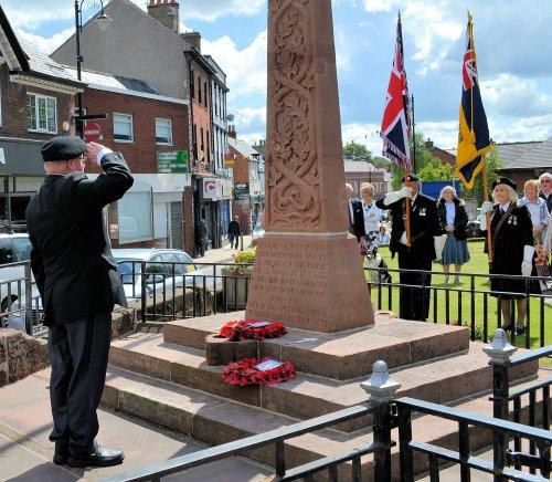 Earlier in the day, a short service was held at the Cenotaph, to mark the 75th anniversay of the D Day Landings.